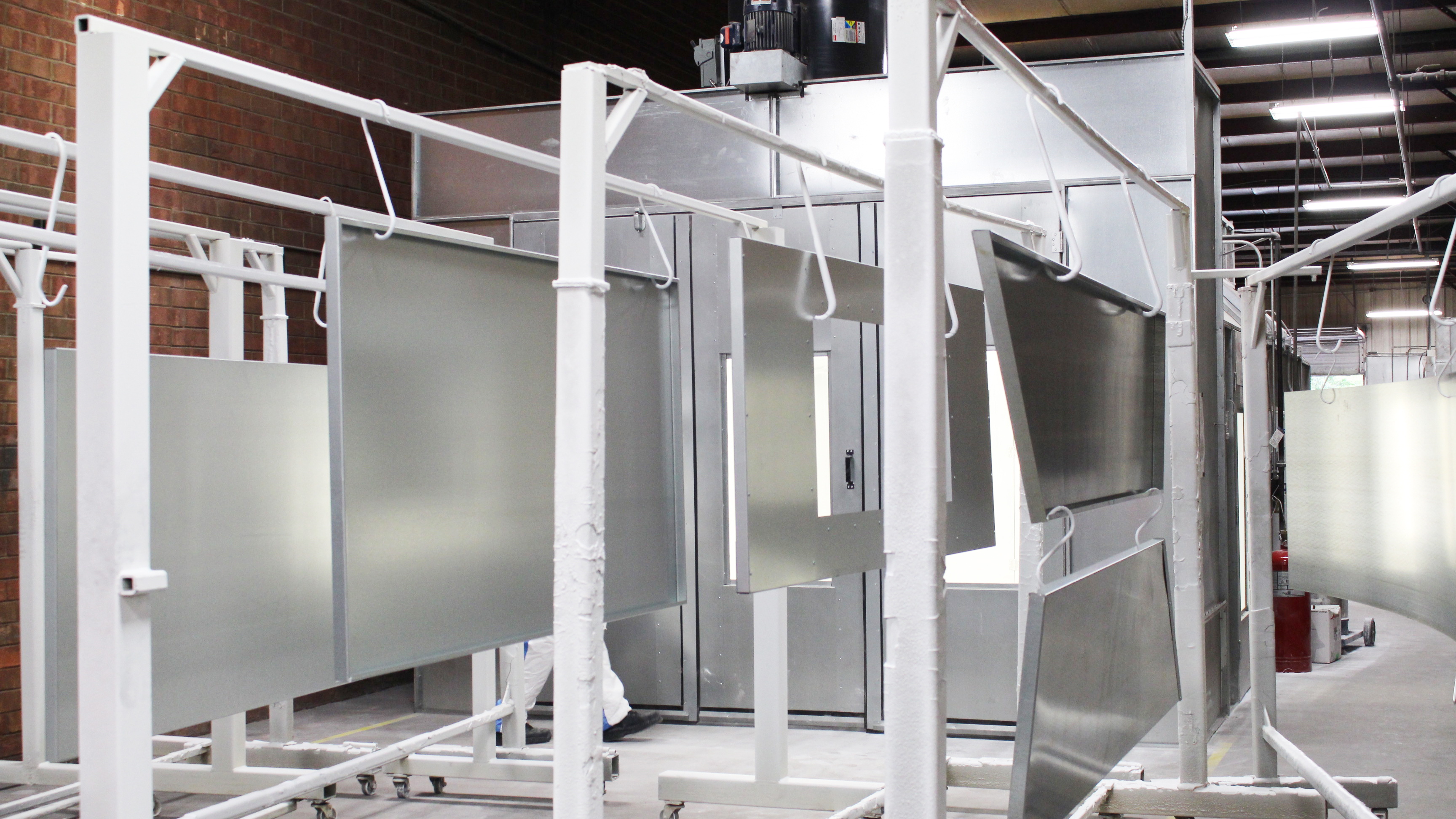 Powder coating process on your spray booth in photos for Powder coating paint booth